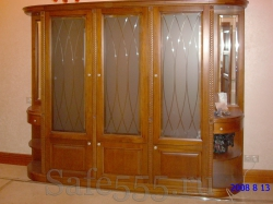 Шкаф со стеклом из дерева CHW-2