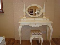 Туалетный столик с зеркалом TW-3